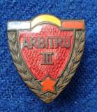 Insigna veche anii 1960 ARBTRU de FOTBAL -  EVIDENTIAT
