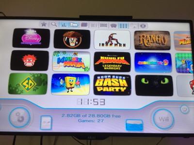 Consola Nintendo WII Modata 40 jocuri 1 maneta Stick 32gb cu jocuri card 2gb foto