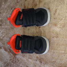 Adidas copii marimea 22