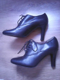 Pantofi, botine cu siret, dama. Patrizia Rigotti. 35, Negru
