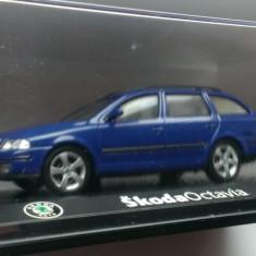 Macheta Skoda Octavia 2 Break  (albastru) - Abrex 1/43