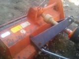 Tractor cu ustensile