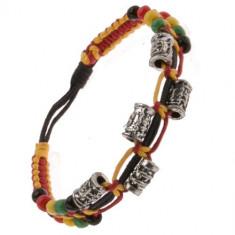 Brățară colorată realizată din șnururi, cilindri metalici ornamentali și mărgele