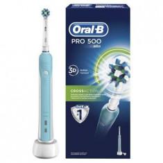 Cumpara ieftin Periuta de dinti electrica Oral-B PRO 500 Cross Action Alb/Albastru