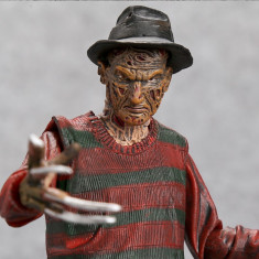 Figurina Freddy Krueger a Nightmare on Elm Street 17cm NECA