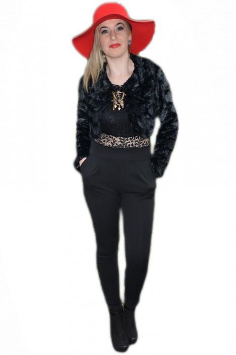 Jacheta scurta de gala din blanita usor captusita, culoare neagra