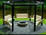 Foisor SWINGS AROUND A FIRE PIT