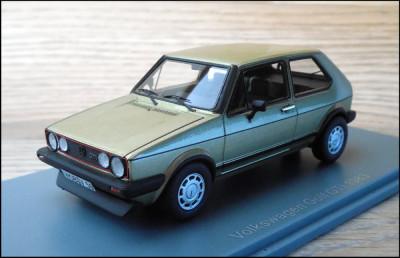 Macheta Volkswagen Golf GTI (1983) 1:43 NEO foto