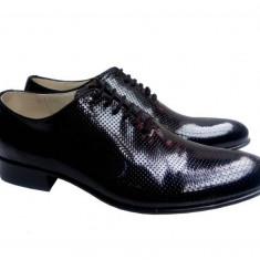 Pantofi barbati lux - eleganti din piele naturala lacuita de culoare neagra - 024NLPERF