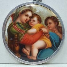 Madona cu Pruncul, Portelan pictat, Argint, Viena 1841. PIESA DE COLECTIE.
