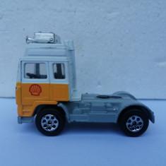 bnk jc Anglia - Corgi - Cap tractor Volvo Shell