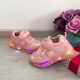 Adidasi colorati roz cu lumini LED beculete si scai pt fetite 22 24, Fete, Din imagine