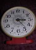 Ceas vechi mecanic de masa Ceas IANTAR Functional,incomplet,MASIV,T.GRATUIT