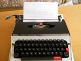 Masina de scris RS-400