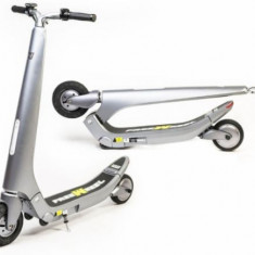Trotineta Electrica Freewheel Rider Trends, Autonomie 25 - 35 Km, Viteza 25 Km/h, Motor 250 W (Argintiu)