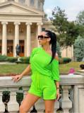 Compleu dama ieftin din bumbac verde neon compus din pantaloni scurti si tricou cu un umar gol
