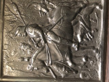 Tablou panoplie veche englezeasca,in basorelief,cu ostean calare