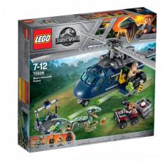LEGO® Jurassic World - Urmarirea elicopterului albastru (75928)