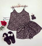 Cumpara ieftin Pijama dama ieftina primavara-vara neagra din satin lucios cu imprimeu animal print