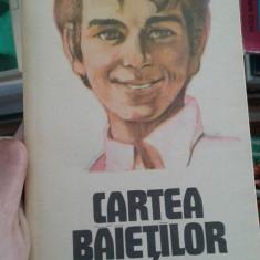 Cartea baietilor