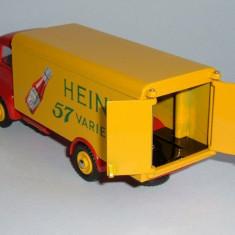 Macheta Guy Van Heinz - Dinky Toys