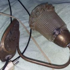 Lampa veche/antica functionala,stare cum se vede ,T.Gratuit
