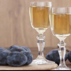 Vand tuica de prune (palinca) de 50 de grade