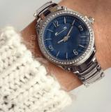 Ceas dama argintiu cu cadran albastru inchis pietricele pe cadran si cifre