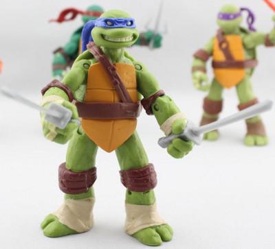 Teenage Mutant Ninja Turtles - Leonardo - Plastic Action Figure CG.021 foto
