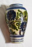 Vaza flori ceramica, lucrata - pictata manual, obiect vechi de colectie Romania