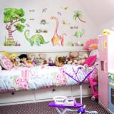 Cumpara ieftin Sticker cu dinozauri Dino Jungle autocolant de perete pentru camera copii