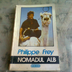 NOMADUL ALB - PHILIPPE FREY