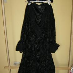 costum carnaval serbare rochie medievala vrajitoare pentru adulti marime M