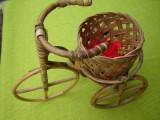 Tricicleta cu un cos de flori, frumoasa decoratiune