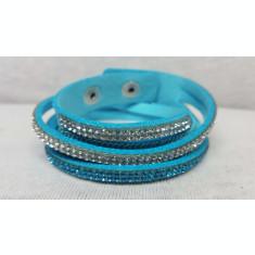 Bratara din material textil cu pietre din plastic tip cristale, bleu