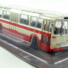 Macheta  autobuz SKODA KAROSA SM 11 - Masini de legenda - Polonia scara 1:72