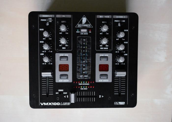 Behringer Professional 2-Channel DJ Mixer  VMX100USB