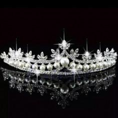 Diadema / tiara mireasa cu perle si cristale tip Swarovski