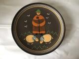 * Farfurie decorativa ceramica, cu pastor cioban si oi, deosebita, 29cm diametru