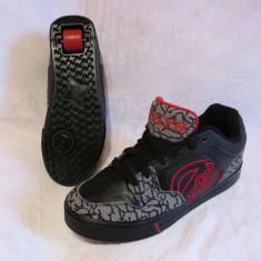 Adidasi / pantofi cu roti / role HEELYS, marime 39 (25 cm), Negru