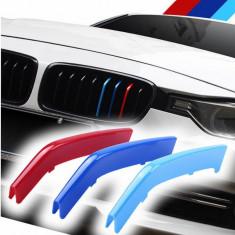 Emblema ornament plastic grila BMW M Power F30 F31 seria 3 2013-2017