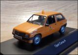 """Macheta Opel Corsa A """"Stadt Nurnberg"""" (1982) 1:43 Schuco (vitrina crapata)"""