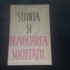M M KARPOV - STIINTA SI DEZVOLTAREA SOCIETATII