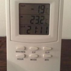 Ceas cu afisaj ora temperatura HTC-2