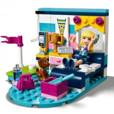 LEGOA® Friends Dormitorul lui Stephanie 41328