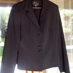 Costum de ocazie negru cu fir de lame, marime 42
