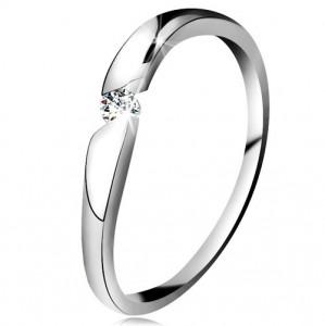 Inel din aur alb de 14K - zirconiu rotund şi transparent în decupaj diagonal - Marime inel: 49