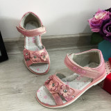 Cumpara ieftin Sandale roz elegante cu floricele pt fete / talpa moale 25 26 27 28 30