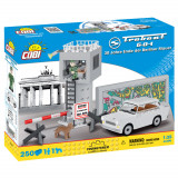 Cumpara ieftin Set de construit Cobi, Youngtimer Collection, Trabant 601 - 30 de ani de la Cade