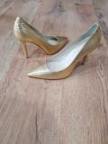 Pantofi stiletto noi piele naturala 38- REDUCERE 30% la doua perechi cumparate, Auriu, Cu toc